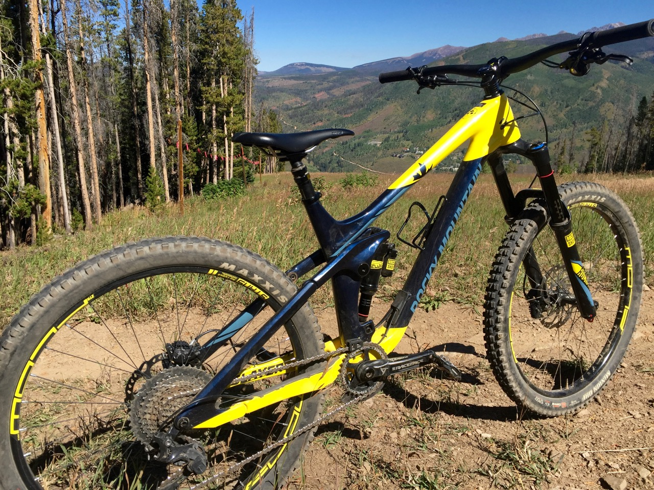 First Ride Review: 2017 Rocky Mountain Slayer